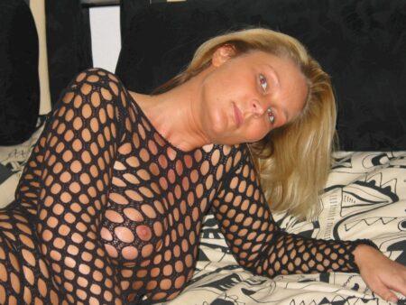 Très belle femme coquine recherche une rencontre adultère